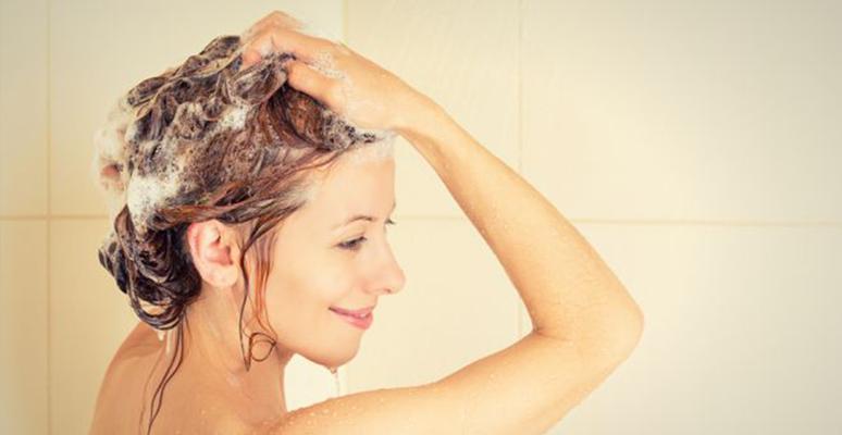 Não arranhe o couro cabeludo: